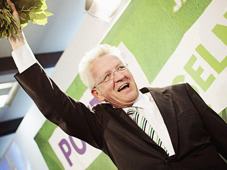 Foto: Winfried Kretschmann feiert den Wahlsieg 2011
