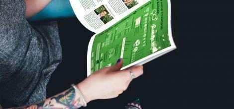 Fotomontage: Frau liest die Mitgliederzeitschrift Grüne Blätter
