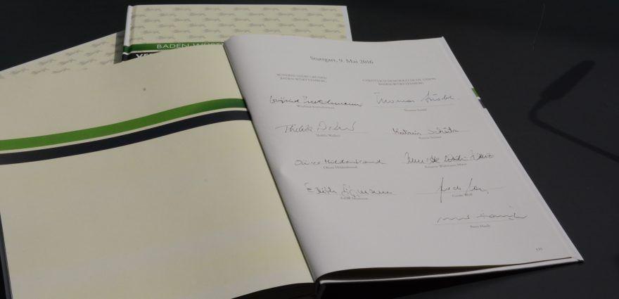 Bild: Unterzeichneter Koalitionsvertrag