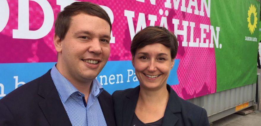 Oliver Hildenbrand und Sandra Detzer auf dem Wahlparteitag in Berlin