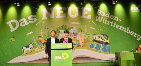 Foto: Landesvorsitzende Sandra Detzer und Oliver Hildenbrand eröffnen den Parteitag