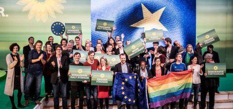 Foto: Grüne Kandidatinnen und Kandidaten zur Europawahl auf dem Parteitag in Leipzig