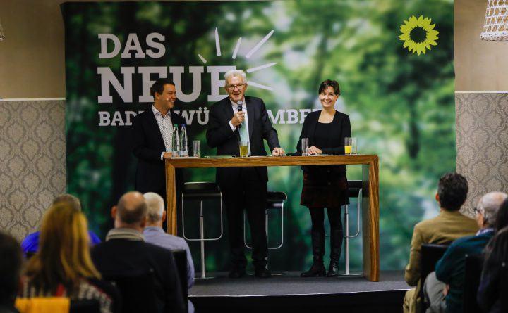 Foto: Sandra Detzer, Winfried Kretschmann, und Oliver Hildenbrand bei der Veranstaltung Das neue Baden-Württemberg