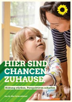 Plakat: Hier sind Chancen zuhause - Kleines Mädchen in Inklusionsklasse