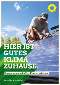 Plakat: Hier ist gutes Klima zuhause - Photovoltaikanlage wird installiert