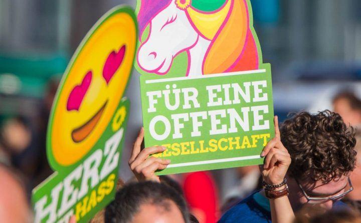 Foto: Demo für einen offene Gesellschaft